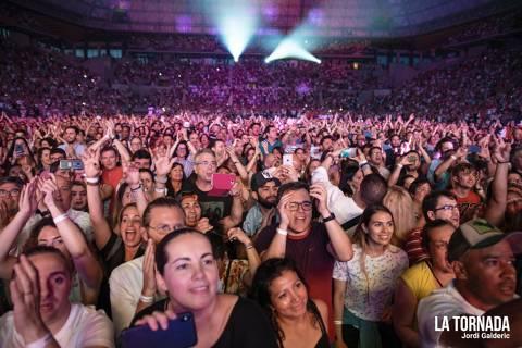 Públic. Juan Luis Guerra al Palau Sant Jordi de Barcelona
